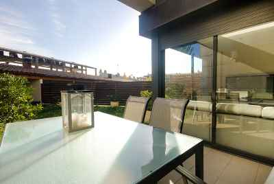 Modern 4 bedroom house in a suburb of Barcelona near hot springs